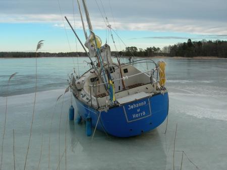 Övergiven segelbåt 2 Foto Lars Erik Mannberg DSCN1079