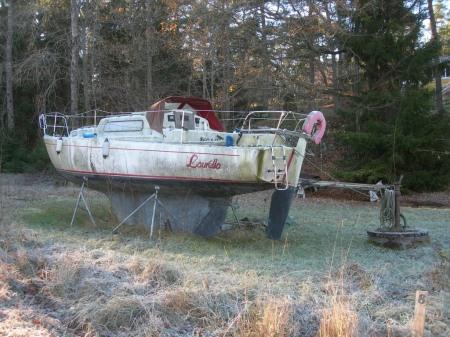 Segelbåt på land Foto Lars Erik Mannberg DSCN6996 (2)